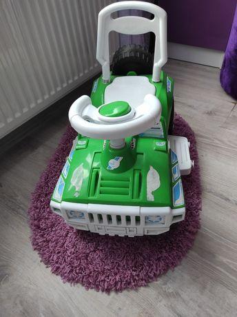 Машинка дитяча .