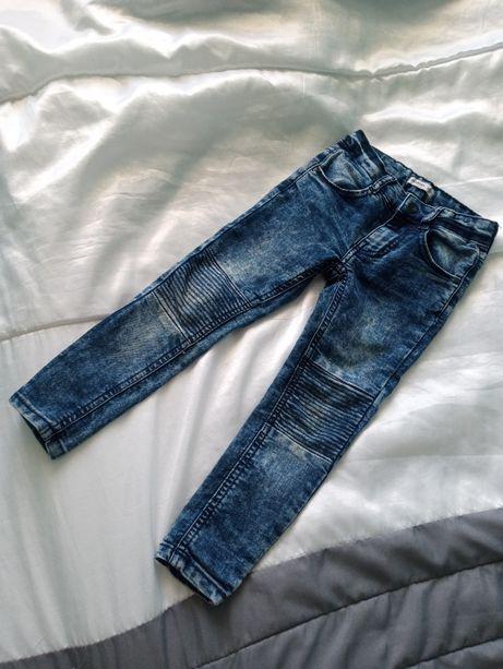 Jeansy chłopięce 104 Reserved