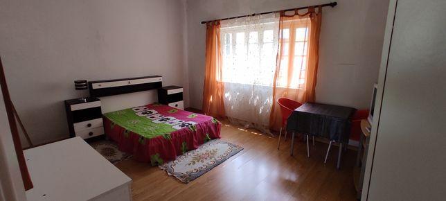 Arrendo quartos em Alhandra