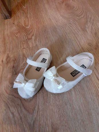 Туфельки Б у но стан ідиальний ,  для дівчинки