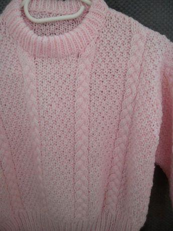 Śliczny swetr dla dziewczynki