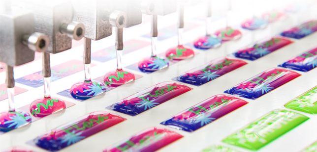 Etiquetas autocolantes em gota de resina, autocolantes digitais cores.