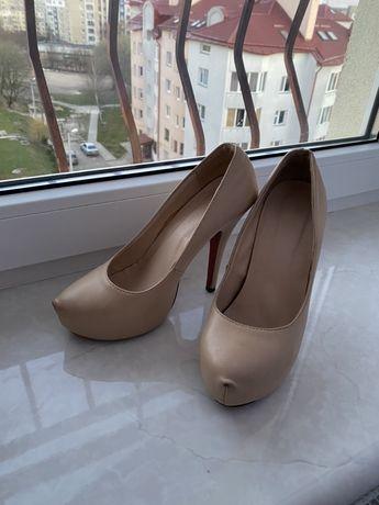 Туфлі туфли лабутени лабутены бежеві бежевые