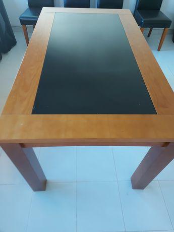 Mesa de sala em cerejeira com vidro preto,extensível