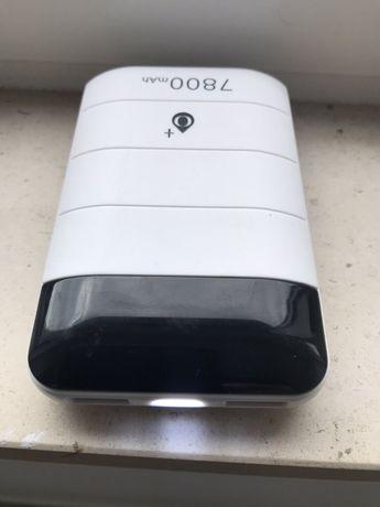 Excelente Powerbank 7800 mAh / duas saidas Usb / Lanterna - Novo