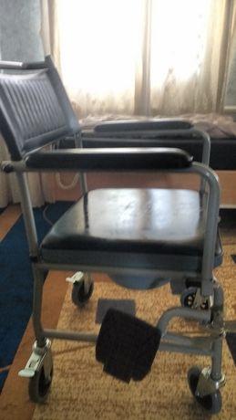 Продам кресло по уходу за больными
