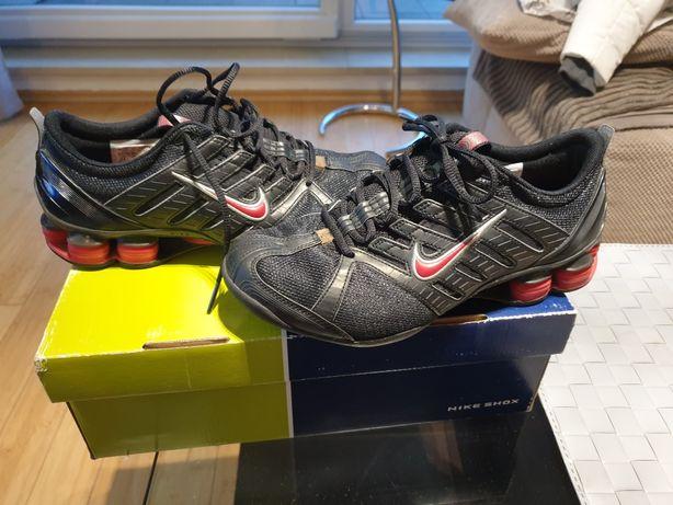 Damskie buty sportowe NIKE