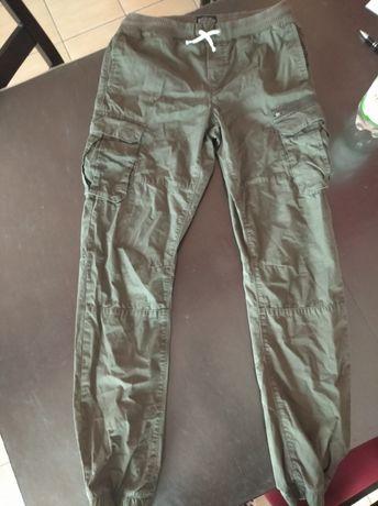 Spodnie joggery zielone