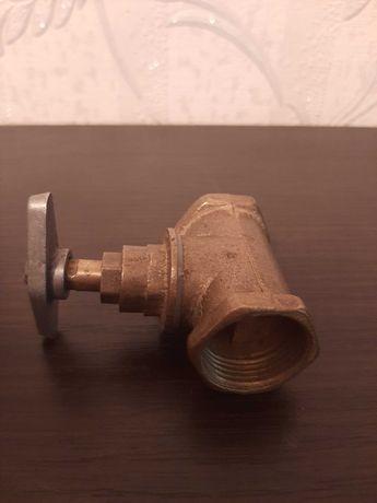 Кран водопроводный (вентиль).