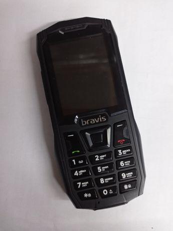 Bravis C245 противоударный телефон