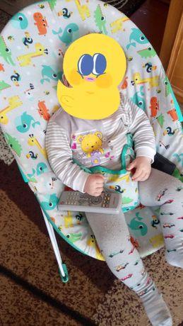 Дитячий шезлонг для малюка