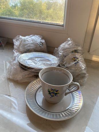 Кофейные чашечки с тарелочками