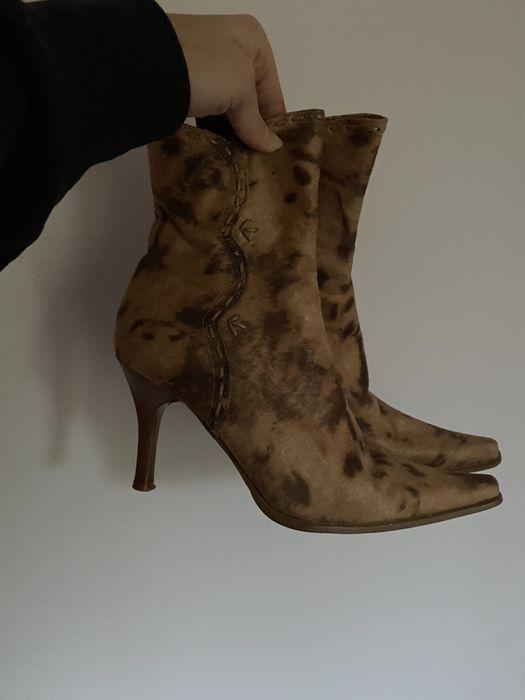 Buty na obcasie z czubem czubkiem na szpilce kozaki botki kowbojki 38 Gdańsk - image 1