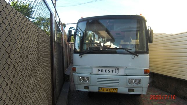 Продам автобус Mitsubishi Prestij .1998 р.