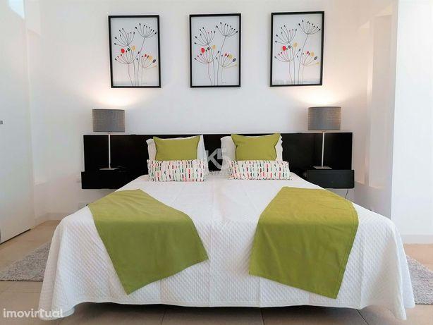 Apartamento T0+1 localizado no Resort Golden Club Cabanas em Cabanas d