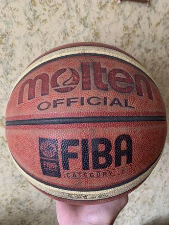 Мяч баскетбольный Molten размер 6. Готов обменять на большый размер.