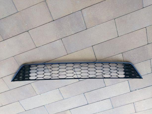 Решетка переднего бампера VOLKSWAGEN