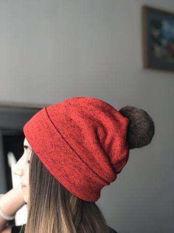 Зимова шапка з бамбоном