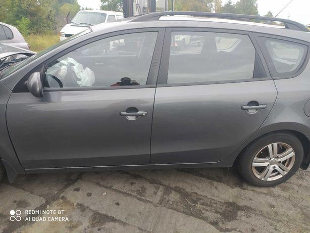 Hyundai i30 CW drzwi lewy tył.