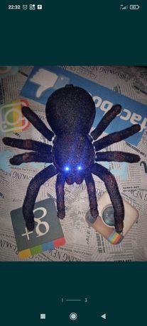 Большой паук,реалестичный,дешево