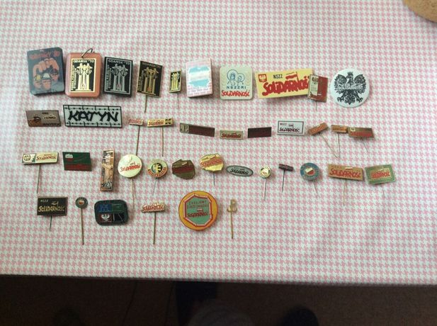 odznaki NSZZ Solidarnosc kolekcje 50 sztuk w dobrej cenie sprzedam