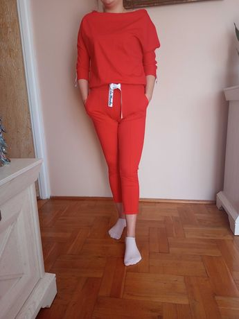 Czerwony damski komplet dresowy dres
