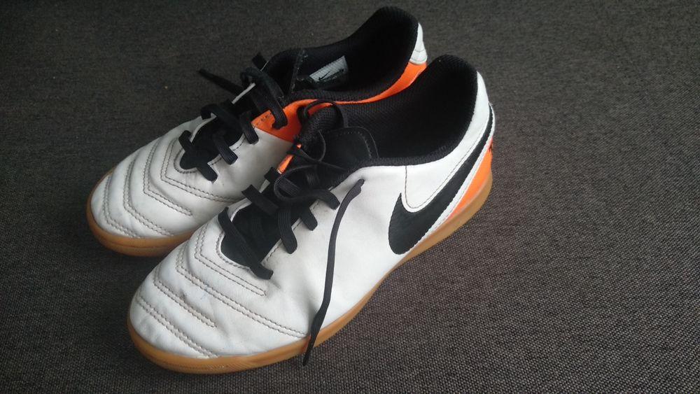 Halówki Nike 34  buty na halę Kleosin - image 1