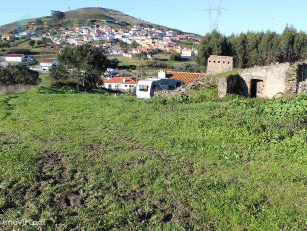 Moradia em Ruina - Dois Portos