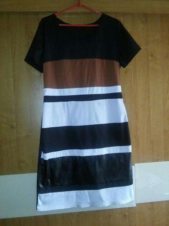 Sukienka z ekoskora 42