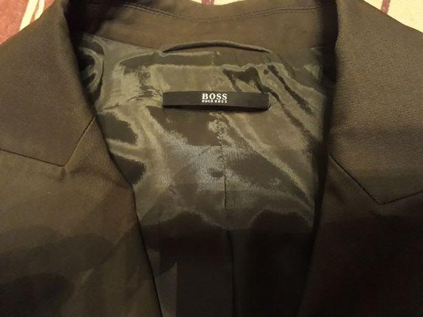 Піджак жіночий Hugo Boss.  Колір хакі.