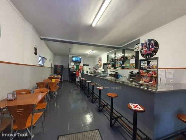 Café/Snack-Bar para arrendamento em Cacia, Póvoa do Paço.