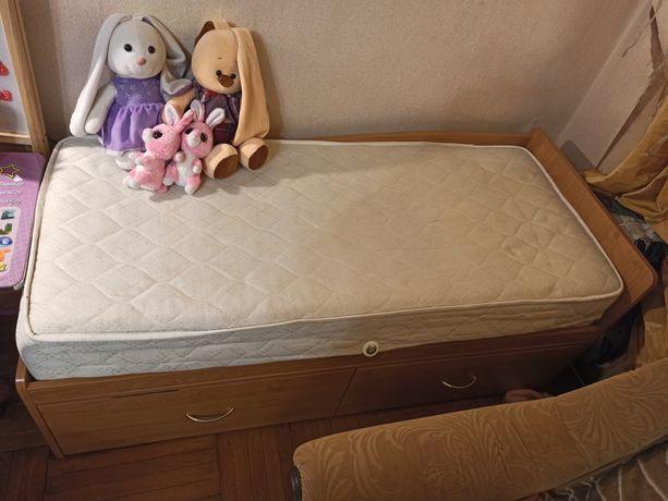 Детская кровать с матрасом 140х60