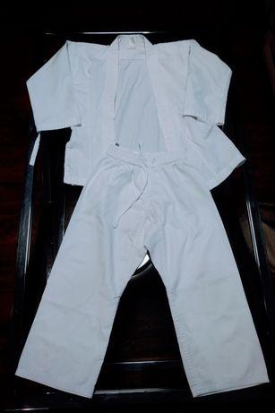 Kimono do karate 120 cm z pasem