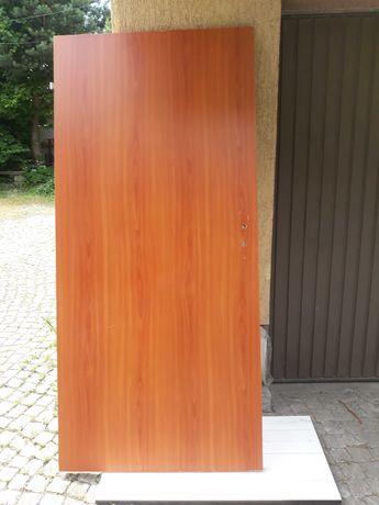 Drzwi z demontażu z futryną