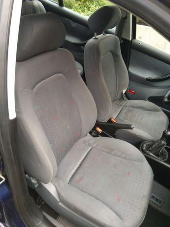 Fotele siedzenia wnętrze seat toledo II