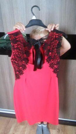 sukienka czerwona z czarna koronka