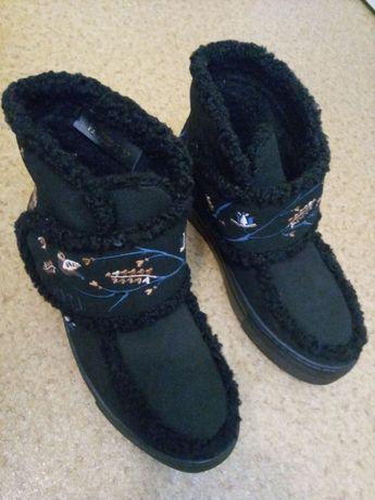 Продам ботинки зимние LAPTI для девочки, размер 37