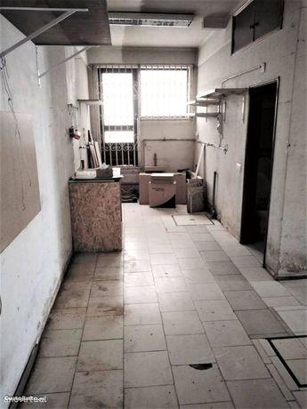 Loja com 85 m2 no centro de Condeixa