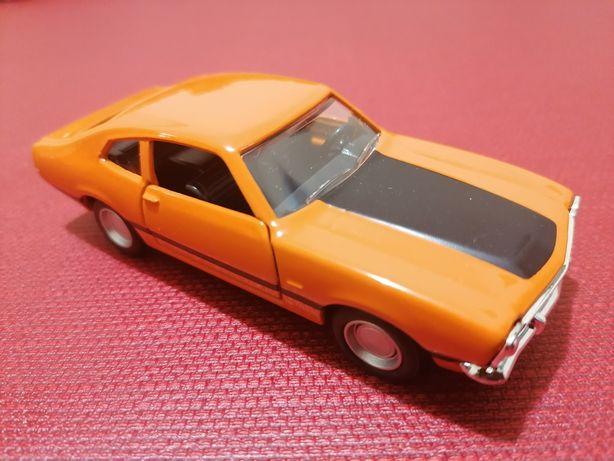 Miniatura Ford Maverick G-T 1:43