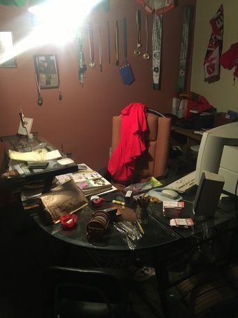 Secretaria vidro com curva e 2 andares com cadeira