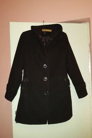 Czarna kurtka z firmy VIVA w rozmiarze 44