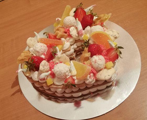 Торт цифра торт сердце на заказ