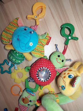 Іграшки для коляски або ліжка