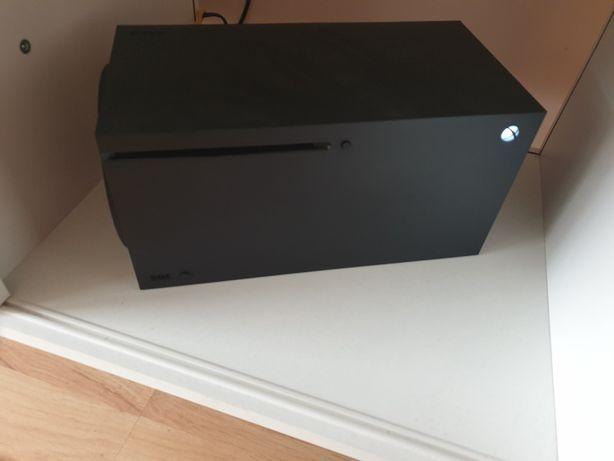 Zamienię xbox series x na Playstation 5