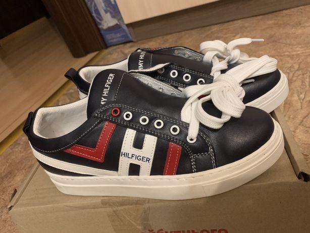 Tommy Hilfiger кроссовки