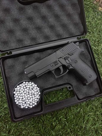 Пістолет Sig sauer страйкбольний AirsoftGun (пневмо)+ кулі в подарунок