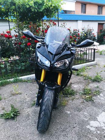 Yamaha FZ1s (Fazer)