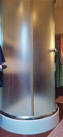 kabina prysznicowe owalna z brodzikiem