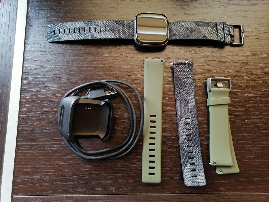 Smartwatch FitBit Versa 2 (wraz z dodatkowymi paskami) Sosnowiec - image 1
