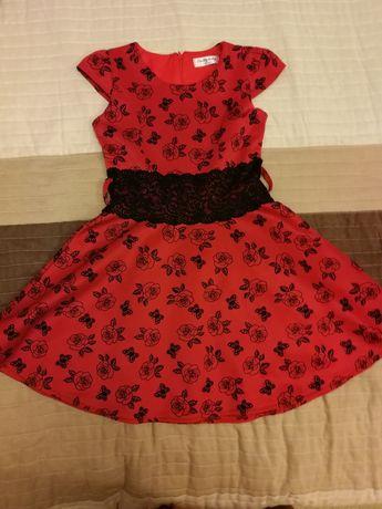 Sukienka czerwona z różami rozm. 134